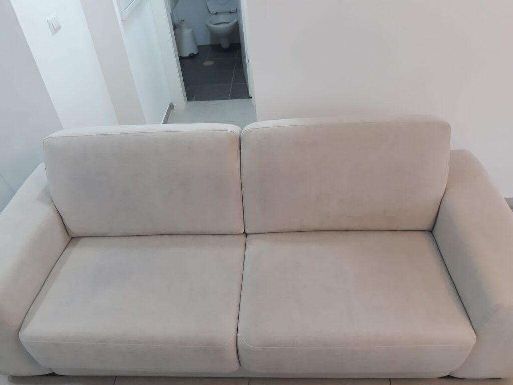 ספה מבד 2 מושבים אחרי ניקוי