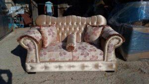 ריפוד מחדש לספה עתיקה דו מושבית