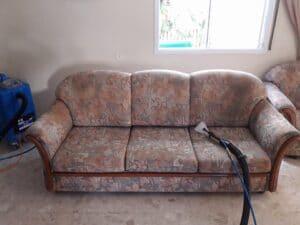 ניקוי ספה עתיקה 3 מושבים בנתניה