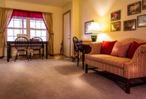 ניקיון לשטיחים מקיר לקיר בסלון בבית פרטי