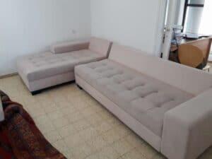ניקוי ספה פינתית בדירת סטודיו במרכז
