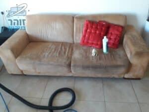ניקוי ספה דו מושבית מבד אלקנטרה