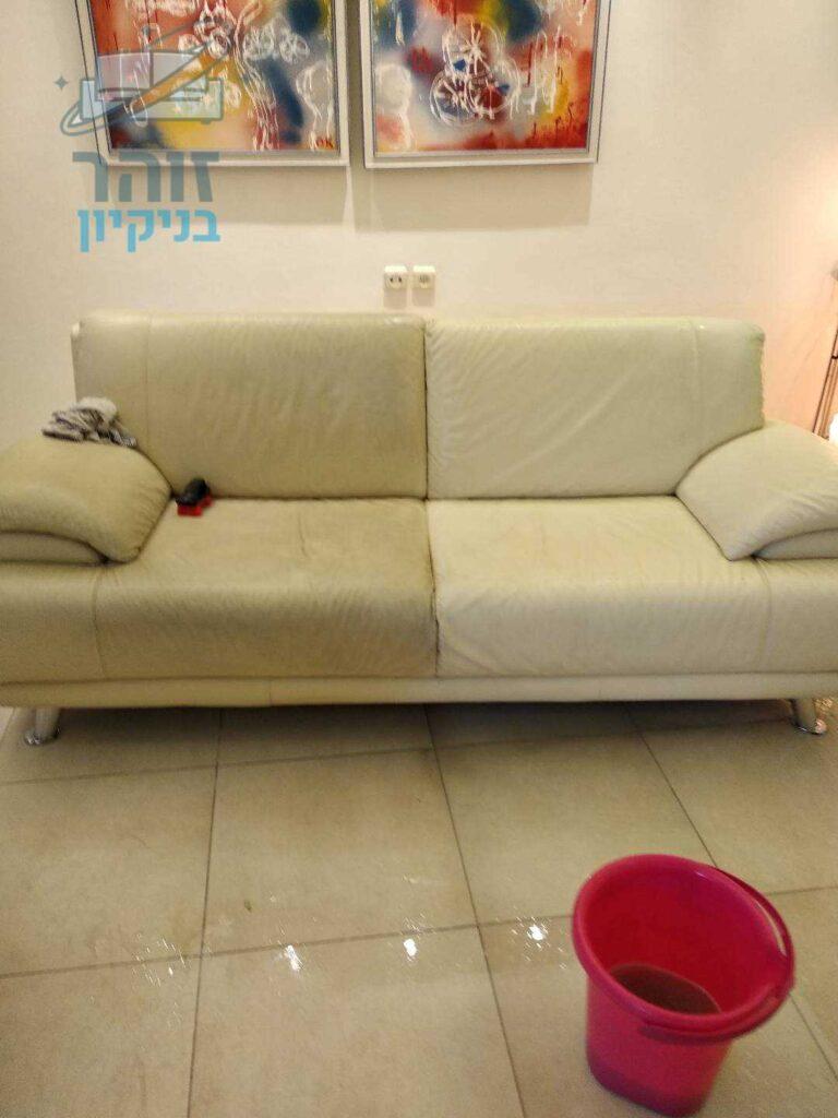 ניקוי של ספה 2 מושבים בבית בראשון לציון בשכונת נווה ים