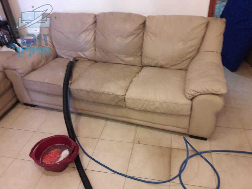ניקוי לספה 3 מושבים בקריית ביאליק