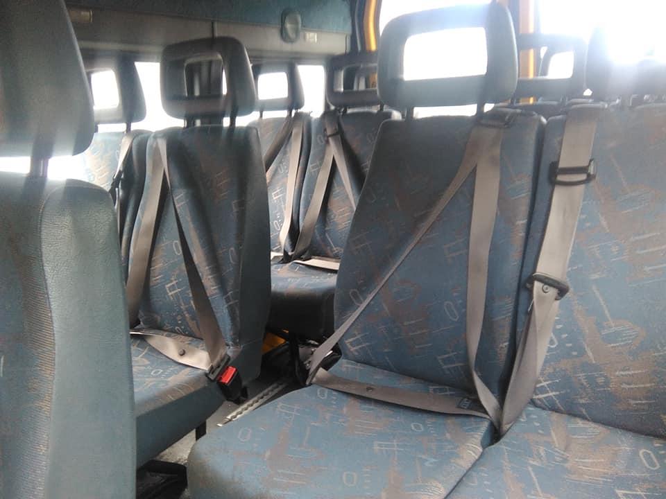 ניקוי מושבי מיניבוס 15 מקומות
