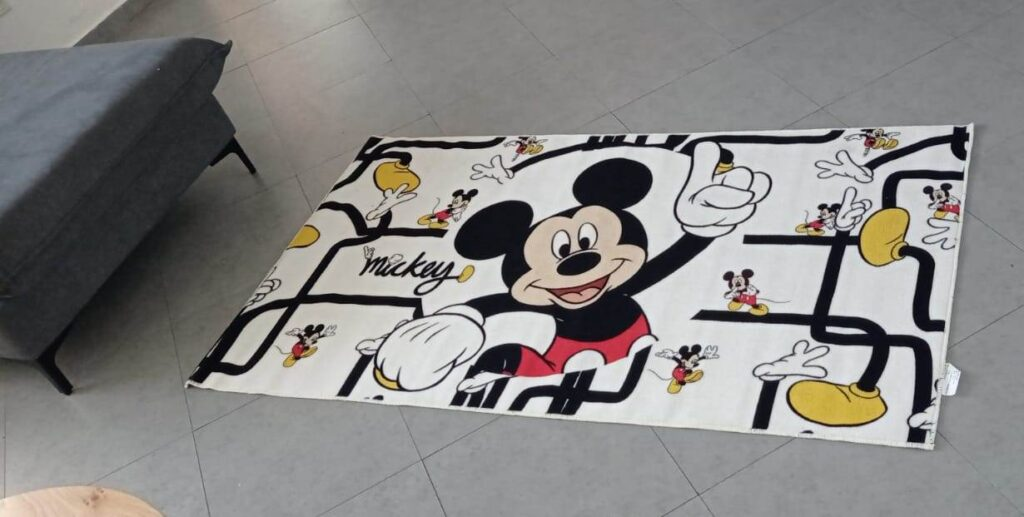 ניקוי שטיח איקאה קטן דגם מיקי מאוס