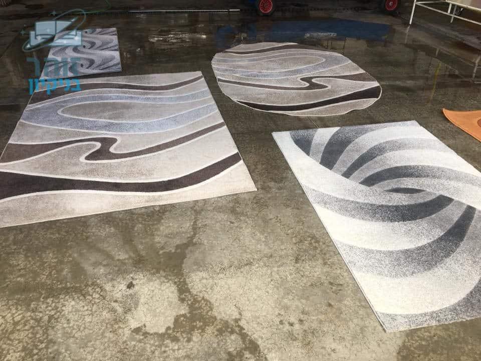 ניקוי שטיחים מכתמים שחורים וקרדיט האבק בדירה בשכונת תל גיבורים בחולון