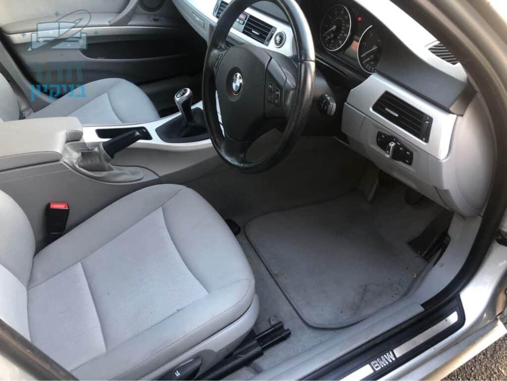 ניקוי כיסאות ברכב BMW יוקרתי עם ריפודים מבד