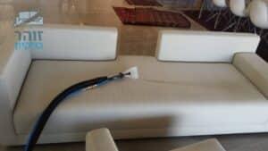 ניקוי ספה מכתמים של קפה ומזון בוילה ברמת הדר בגבעת שמואל