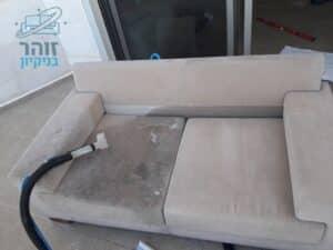 ביצוע ניקוי ספה באיזור הדרום מכתמים של אבק ובוץ כולל ניחוח נעים ומרענן