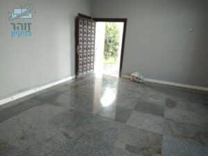 פוליש לדירת 100 מטר עם רצפת שיש חלקה